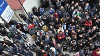 البطالة بين الشباب