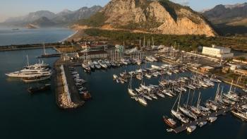 ميناء أنطاليا