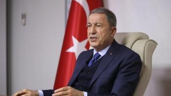 وزير الدفاع التركي خلوصي أقار