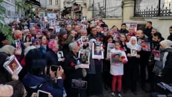 وقفة احتجاجية لأهالي المعتقلين السياسيين