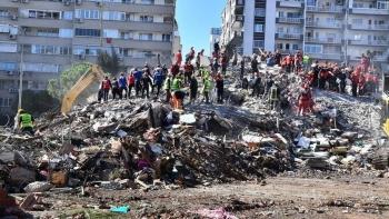 صورة أرشيفية لزلزال إزمير