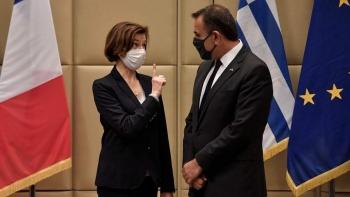 وزيرا دفاع اليونان وفرنسا
