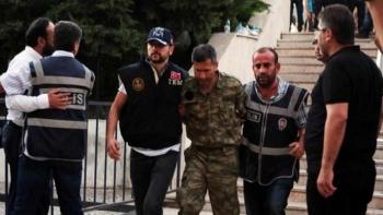اعتقال عسكريين في تركيا