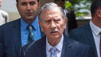 رئيس الوزراء التركي الأسبق