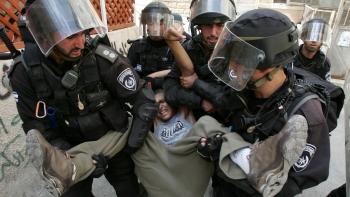 من اعتداءات الإسرائليين على الفلسطينيين