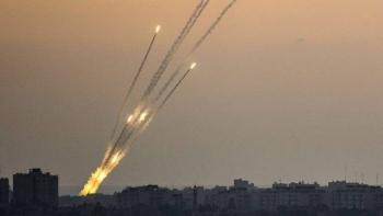 كتائب القسام تطلق 130 صاروخًا