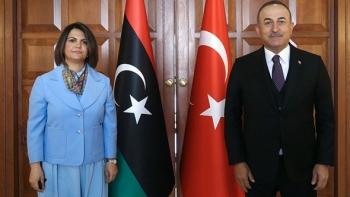 وزير الخارجية الليبي ونظيرته الليبية
