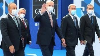 أردوغان والوفد المرافق له لبروكسل