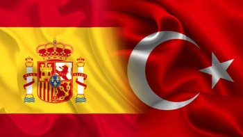 علما تركيا وإسبانيا