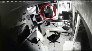 لقطات ضرب مواطن داخل قسم شرطة
