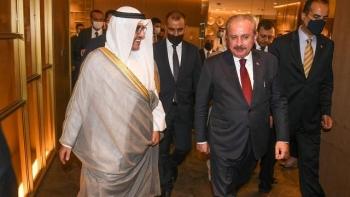 رئيس البرلمان التركي ووزير الخارجية الكويتي