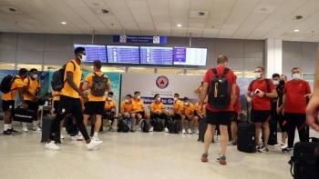 فريق جالاطا سراي التركي في مطار أثينا