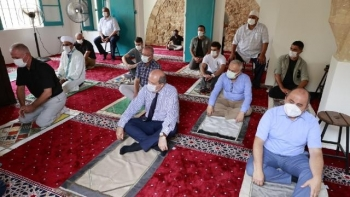 أول صلاة في مسجد بلال آغا بفاروشا