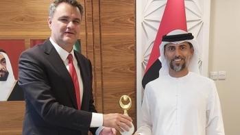 سفير أنقرة ووزير الطاقة الإماراتي