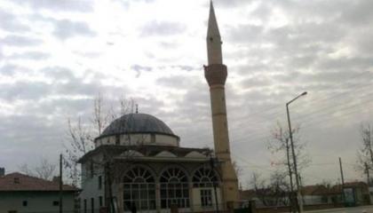 بلدية تابعة لحزب أردوغان تبيع 8 مساجد لتسديد الديون