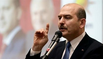 بالفيديو.. وزير الداخلية التركي يتوعد المعارضة : السجون تنتظركم