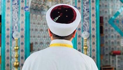 إمام مسجد بتركيا يصف معارضي أردوغان بـ«الشياطين»