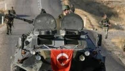 جيش الاحتلال التركي يقصف «ليرة بلاده»