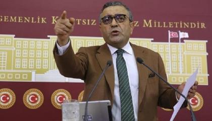 نائب معارض ينتقد منع الشرطة مطربًا من غناء أغنية كردية: سأذيعها في البرلمان