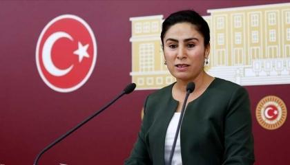بالفيديو.. نائبة كردية تتحدى أردوغان: سنسقط سلطتك «الفاشية»