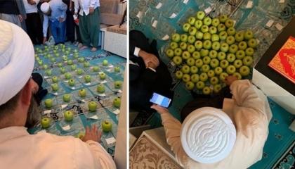 آخر تقاليع شيوخ أردوغان في التجارة بالدين: الصلاة على التفاح من أجل الإنجاب