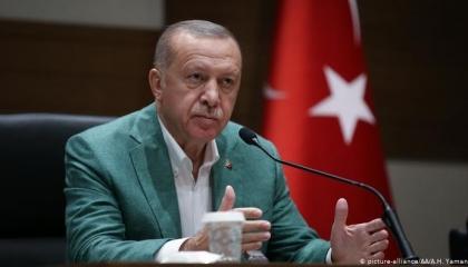 تقرير يفضح كذب أردوغان: يبالغ في أعداد اللاجئين السوريين.. ويبتز أوروبا
