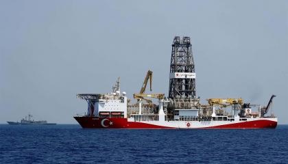 سفينة حفر تركية تبدأ أعمالها شرق المتوسط.. وقبرص: تصعيد خطير وسلوك عدواني