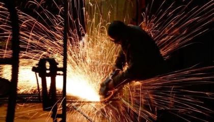 الاقتصاد التركي في خطر: تراجع الإنتاج الصناعي 3.6%