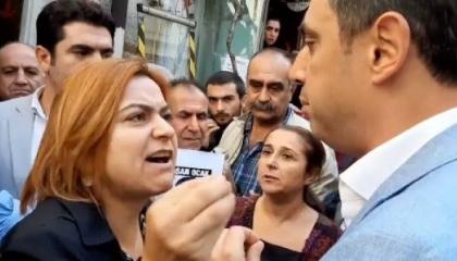 بالفيديو| نائبة تركية تشتبك مع ضابط: أنتم تقتلون الأبرياء في سوريا