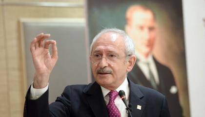 أوغلو يواصل سخريته من أردوغان: هل أولوياتك «تدخين» الأتراك في سياراتهم؟