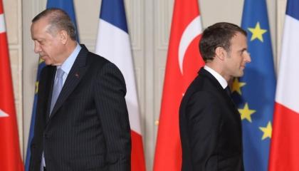 ماكرون يواصل الهجوم على أردوغان ويلمح لخروج تركيا من «الناتو»