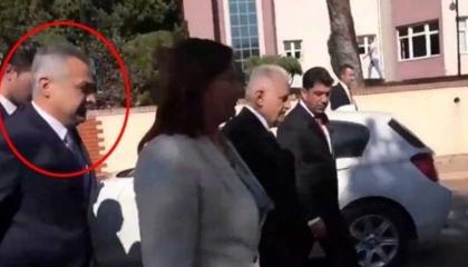 بالفيديو: فضيحة.. نائب من حزب أردوغان «يدفع» رئيسة بلدية للتقرب من «يلدريم»