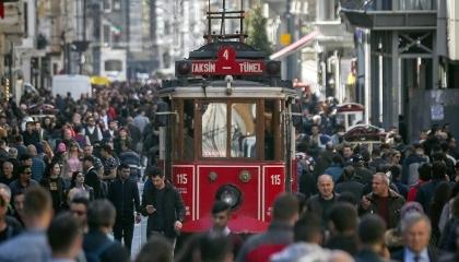 كارثة اقتصادية تلاحق الأتراك.. أكثر من 29 ألف تاجر يعلنون إفلاسهم