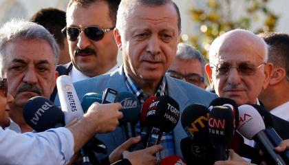 «الإذاعة والتلفزيون» التركي يفصل أحد المعارضين بسبب انتقاده أردوغان