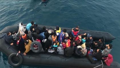 الداخلية الليبية تنقذ 143 مهاجرًا غير شرعي من بينهم 5 نساء