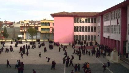 أولياء أمور يطالبون بطرد تلاميذ مرضى بـ«التوحد» من مدرسة في آق سراي
