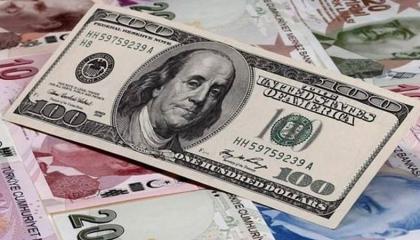 استمرار نزيف اقتصاد تركيا..  رويترز تتوقع: الدولار بـ6.4 ليرة في غضون عام