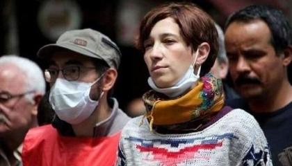 إخلاء سبيل مواطنة تركية بعد إضرابها عن الطعام لمدة  324 يومًا