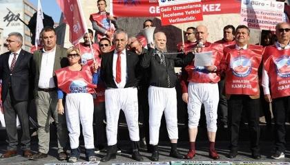 بـ«الملابس الداخلية».. الأتراك يتظاهرون ضد أردوغان بسبب الأزمة الاقتصادية