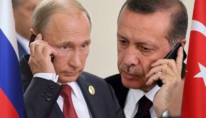 أردوغان يهاتف بوتين لبحث الالتزام باتفاق سوتشي
