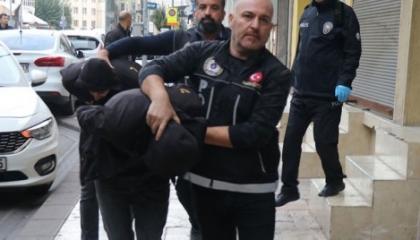 الشرطة التركية تعتقل 6 من مؤسسة مكافحة السرطان بتهمة الإتجار في المخدرات