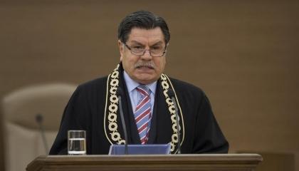 رئيس سابق للمحكمة الدستورية التركية ينتقد «دونية» حزب أردوغان: لا أخلاق لهم