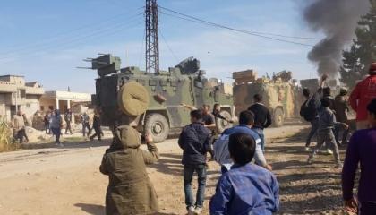 بالفيديو.. مقتل وإصابة عشرات المدنيين جراء إطلاق الأتراك النيران بعين العرب