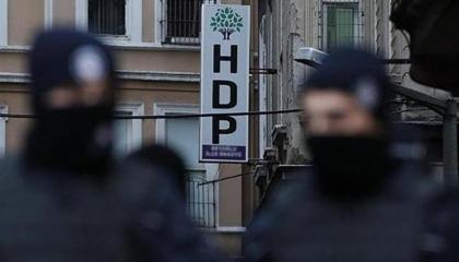 شرطة أردوغان تعتقل 20 رئيس بلدية منتخبين أغلبهم من نواب «الشعوب الديمقراطي»