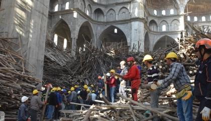 جريمة عمل جديدة.. مصرع مهندس تركي في انهيار سقالات مسجد بغازي عنتاب