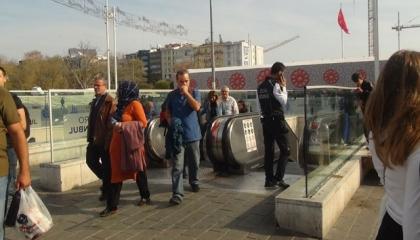 ذعر في محطة مترو بإسطنبول بعد نشوب حريق بالمصعد الكهربائي