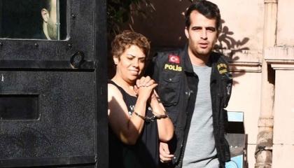 شرطة أردوغان تعتقل سيدة اعتدت على «محجبة» وتتجاهل المهددين للأقليات