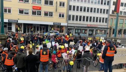 احتجاجات بالدراجات في ألمانيا ضد حبس الأطفال في تركيا