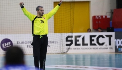 نادٍ يوناني يفسخ عقد محترف كرة يد تركي بسبب «التحية العسكرية»