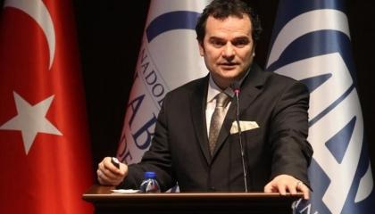 بالفيديو.. مستشار أردوغان السابق يفضح إرهاب «العدالة والتنمية» للصحفيين